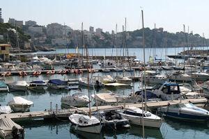 サン・アウグスティの港